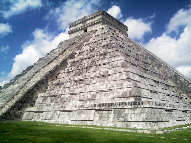 El Castillo, Chichen Itza, Yucatan, Mexico
