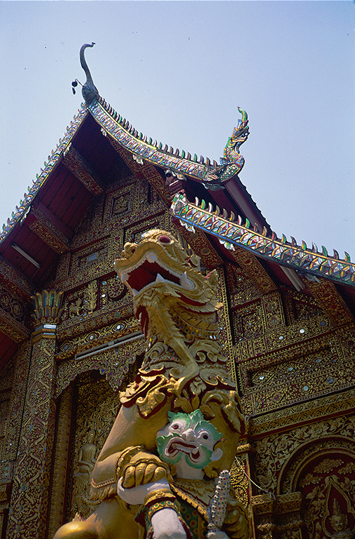 Golden Shrine, Wat Chong Kham, Mae Hong Son, Thailand,