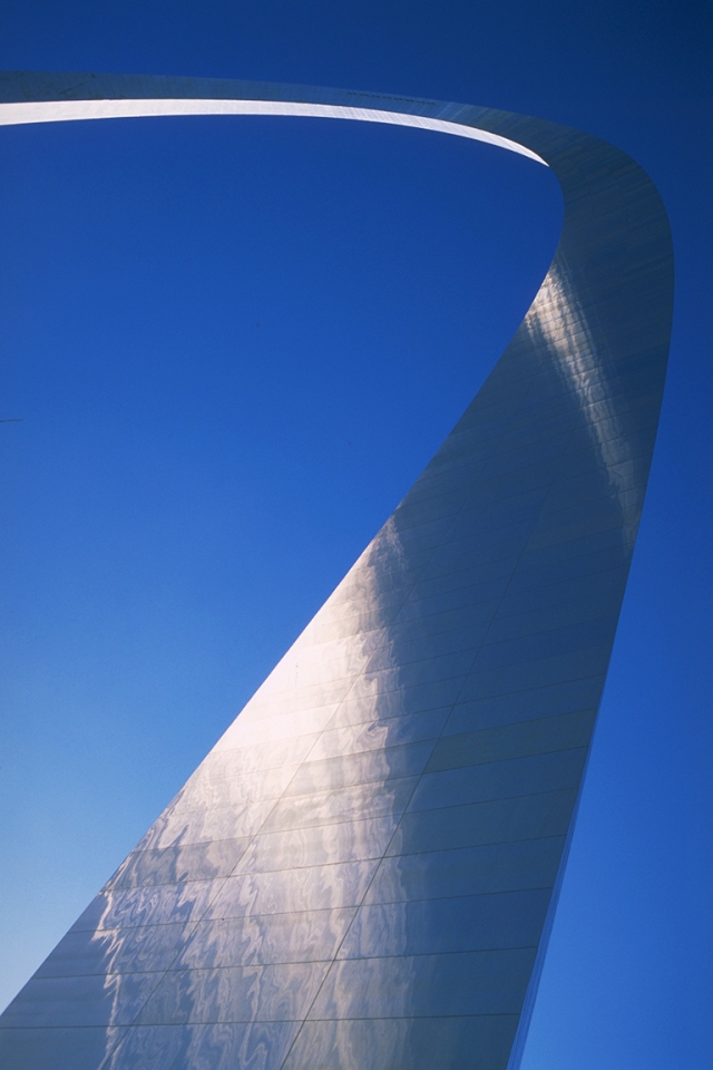 Curving Steel, The Gateway Arch, Jefferson National Expansion Memorial, St. Louis, Missouri, United States of America