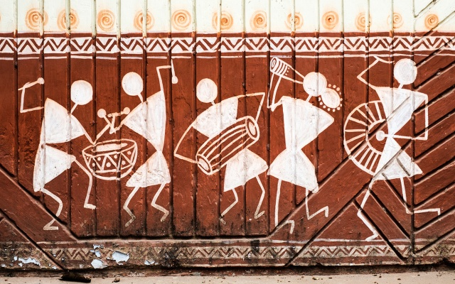 A little music, Street Art, Kashi (Old Varanasi), Uttar Pradesh, India
