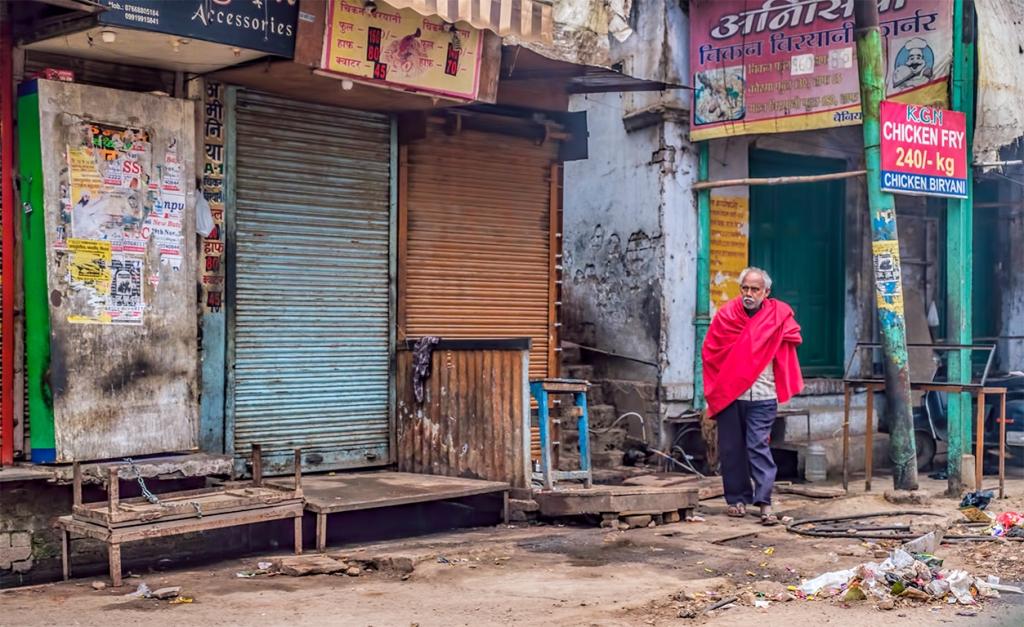 Old Man in the Grim and Grime, Taxi Ride to Lal Bahadur Shastri International Airport , Varanasi, Uttar Pradesh, India