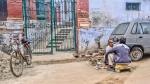 Roadside Shave, On the road to Lal Bahadur Shastri International Airport, Varanasi, Uttar Pradesh, India