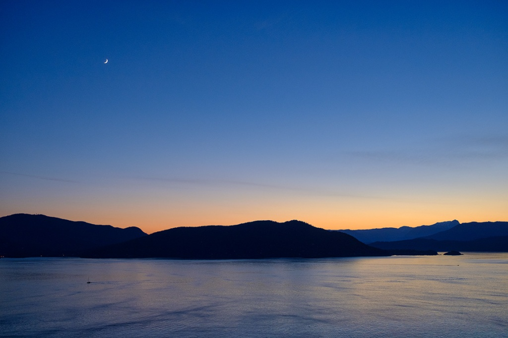 Transient Magic, Howe Sound Sunset, Bowen Island viewed from Horseshoe Bay, Sea to Sky Highway, British Columbia, Canada