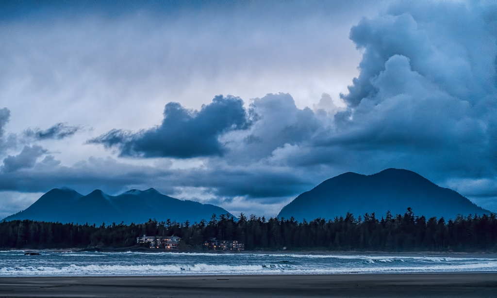 Dusk Falls, Chesterman Beach, Tofino, Vancouver Island, British Columbia, Canada