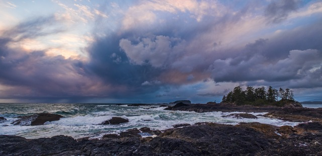 Ember in the Sky, Frank Island, Chesterman Beach, Tofino, Vancouver Island, British Columbia, Canada