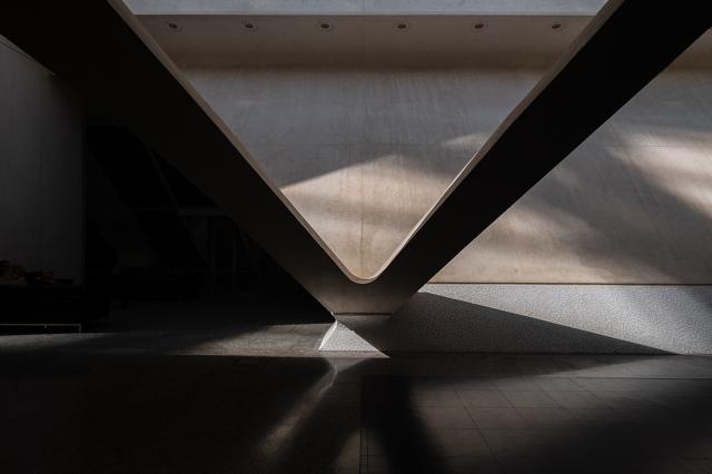 Shadow and Light, Museu de les Ciències, Ciutat de les Arts i les Ciències, Valencia, Spain
