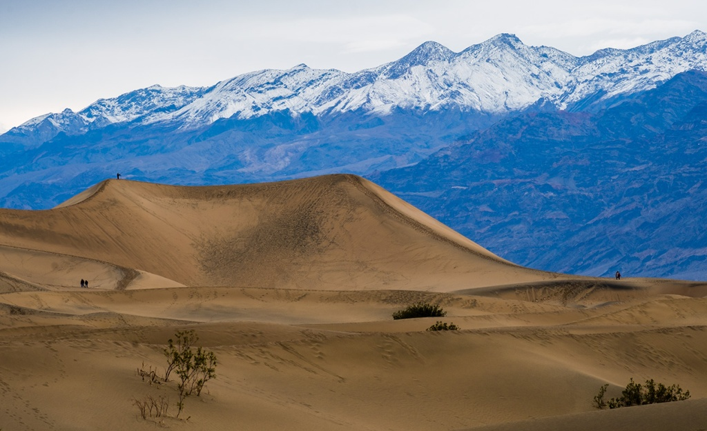 Tourists, Mesquite Flat Sand Dunes, Death Valley National Park, California, United States of America