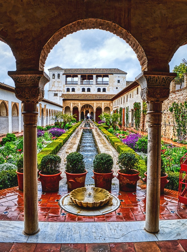 Raindrops on Fountains, Garden in the Palacios Generalife, Alhambra, Granada, Spain