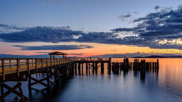 Sunset, Davis Bay Pier, Sechelt, Sunshine Coast, British Columbia, Canada