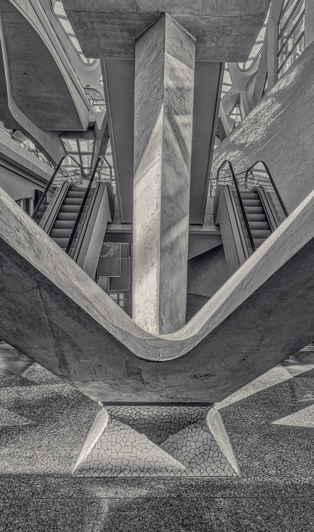 Up or Down, El Museu de les Ciències Príncipe Felipe, Valencia, Spain
