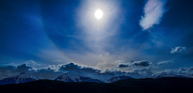 Sun Halo, Tantalus Mountain Range, Sea to Sky Highway, British Columbia, Canada